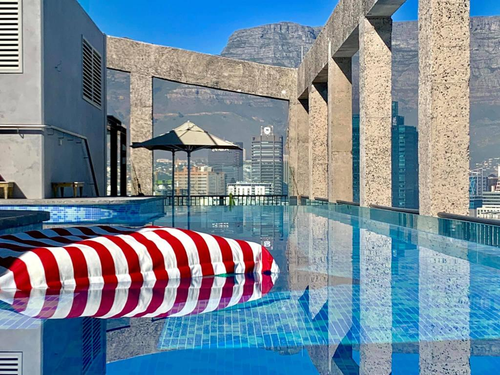 PoolPillow at the Silo Hotel - Cape Town