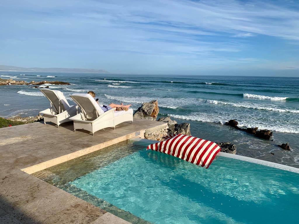 PoolPillow luxury at the Silo Hotel - Cape Town