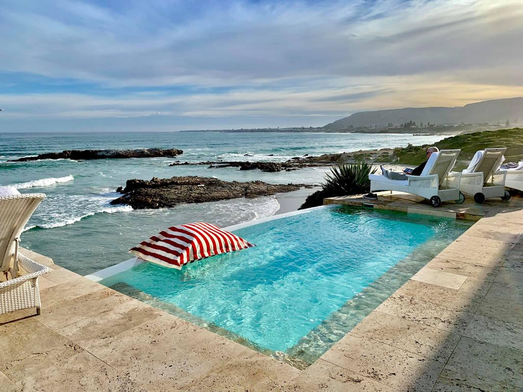 PoolPillow luxury view at the Silo Hotel - Cape Town